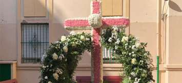 Las cruces de mayo vuelven a las calles de Valencia
